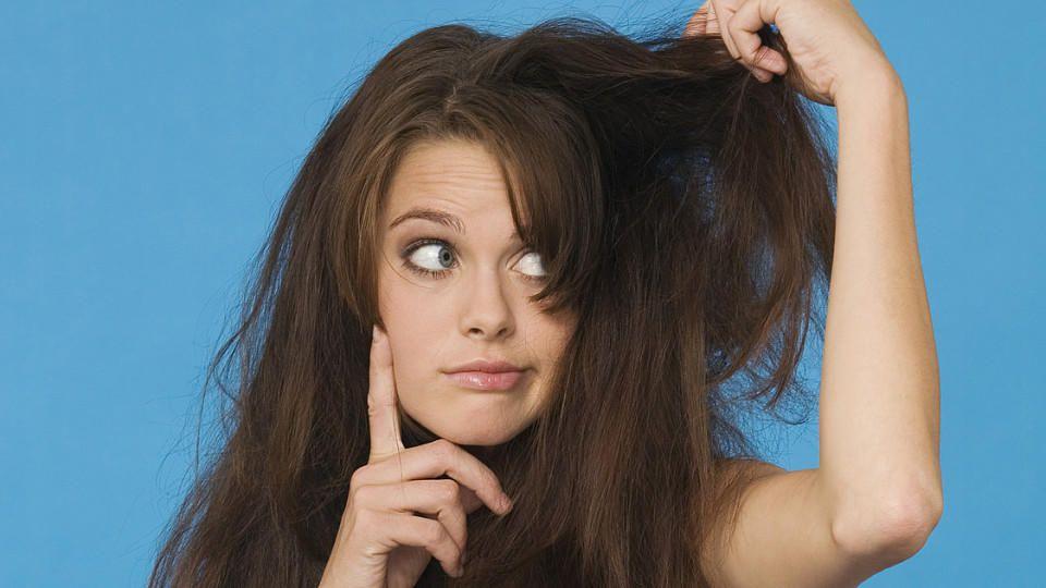Wenn die Haare wieder nicht zu bändigen sind... Manchmal sieht's leider aus, wie eine Explosion in der Sauerkrautfabrik.